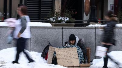 Freezing weather threatens lives of homeless in USA