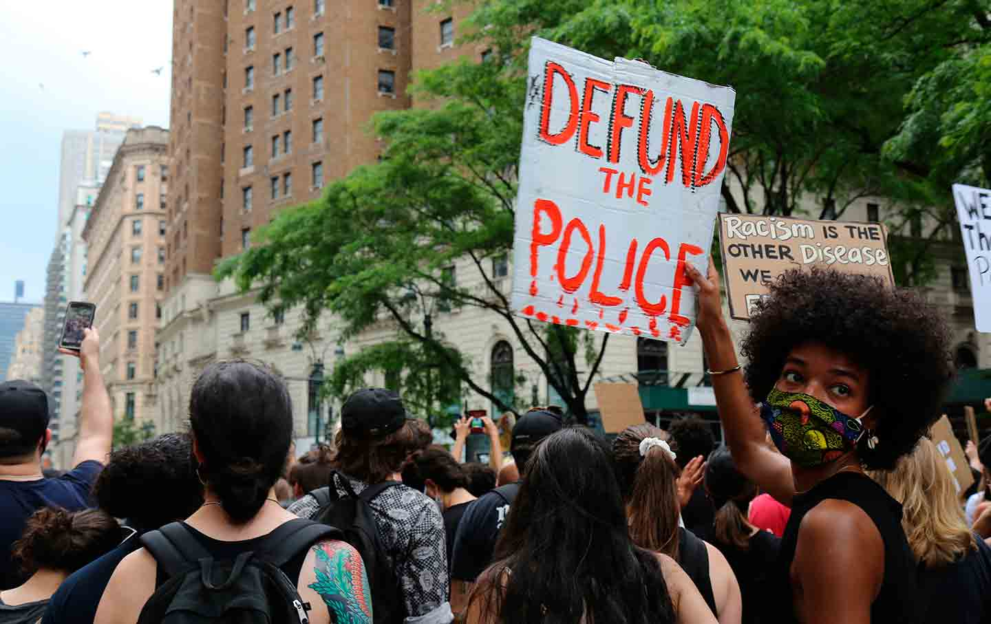 defund-police-protest-ap-img